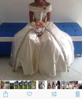 Hermoso vestido de primera comunión una sola postura decorado a mano c