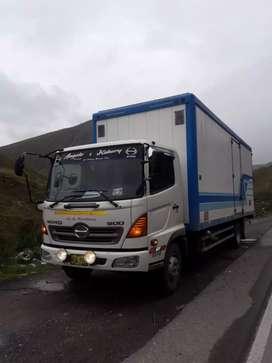 Camión furgón hino 5001018