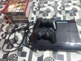 Ps3 Ultra slim + 2 joystick originales + 10 juegos físicos + disco de 250gb y flashada con 14 mil juegos para descargar