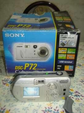Camara De Fotos Digital Sony Dscp72 Con Manual Y Caja .