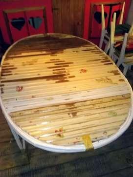 Mesa de caña reforzada laqueada