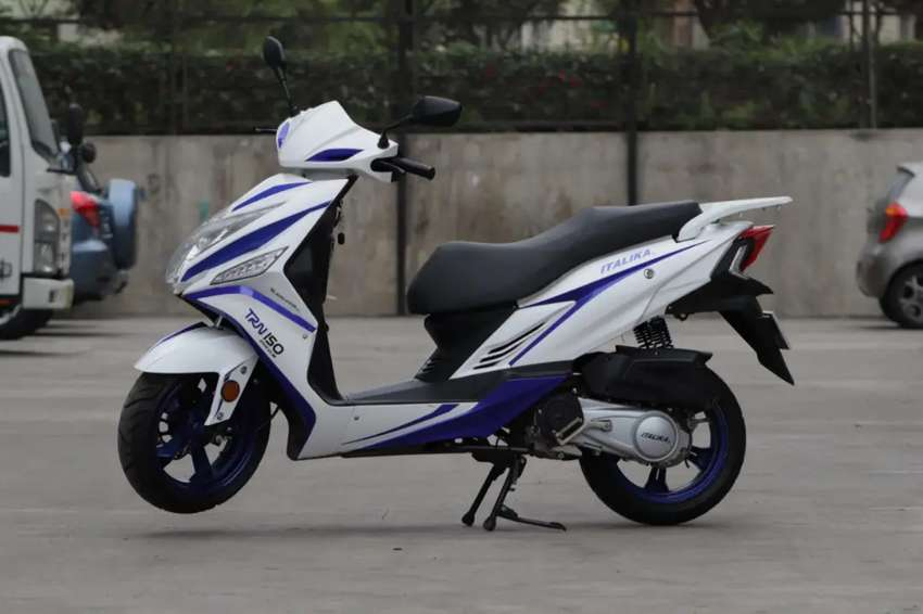 Vendo Moto Scooter Italika TRN 150