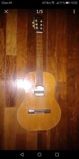 Guitarra Criolla de Medio Concierto .