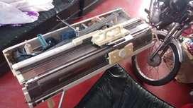 Maquina de teger Singer modelo 280 de targeta