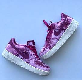 Tenis Air Force 1 Low Crushed Velvet (GS) shoes