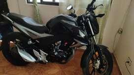 Vendo moto honda cb160dlx se vende con el traspaso