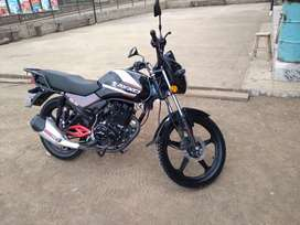 Se vende moto axxo año 2021 papeles al dia