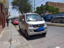 Minivan Dongfeng de pasajeros año 2013