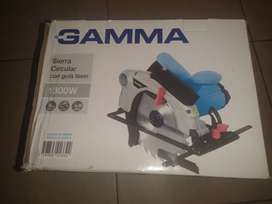 Sierra circular GAMMA 1300W Con guía láser