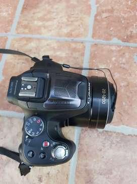 Vendo cámara Panasonic Lumix modelo DMC-FZ70