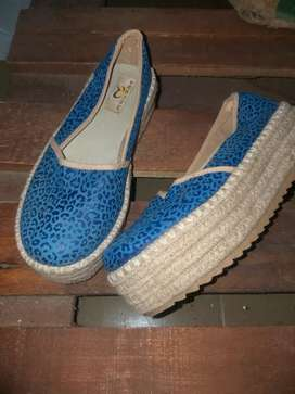 Mocasines num 37 impecable.color azul