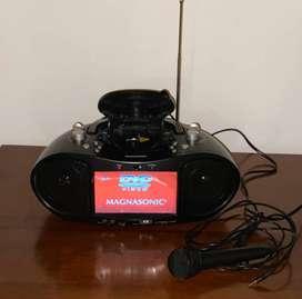 """Reproductor de CD/DVD/Karaoke portatil con pantalla LCD de 7"""", radio AM/FM, reproductor de mp3/WMA/MPEG4"""