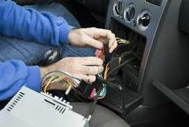 Se necesita instalador de sonido, luces y accesorios para vehículo.!