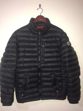 CAMPERA INFLABLE ABERCROMBIE & FITCH NEGRA