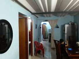 Casa en urbanizacion bosques de pinares  .trialcoba,sala,comedor,cocina,baño ,en buen estado de comservacion.