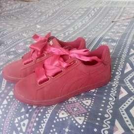 Se venden zapatos nuevos