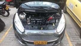 Se vende Ford salvamento buen precio negosiable