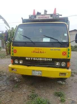 Se vende camion mitsubishi