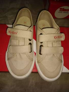 vendo zapatillas Kickers 30
