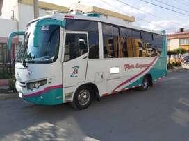 Se vende Buseta HINO 300 con o sin cupo