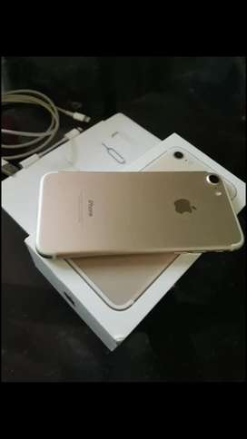 iPhone 7 gold 32gb (pantalla rajada no afecta en nada) libre de todo en caja, nunca se le toco nada unico dueño !!