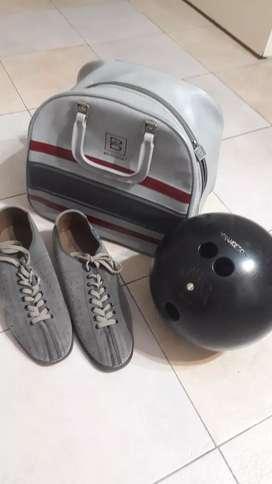 Vendo bolso de bowling con soporte y bola y zapatos