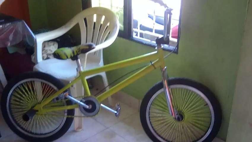 Bicicleta bmx 0