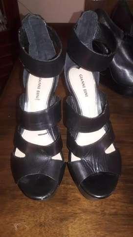 Zapatos de diseñador marca Giani Bini