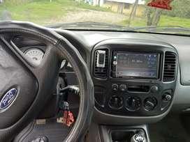 se vende Ford escape 2005 4x4