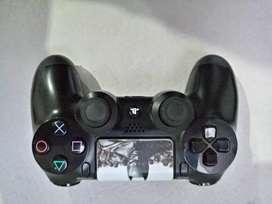 Vendo Control y juego play 4 edicion especial Batman Arkham knihgt