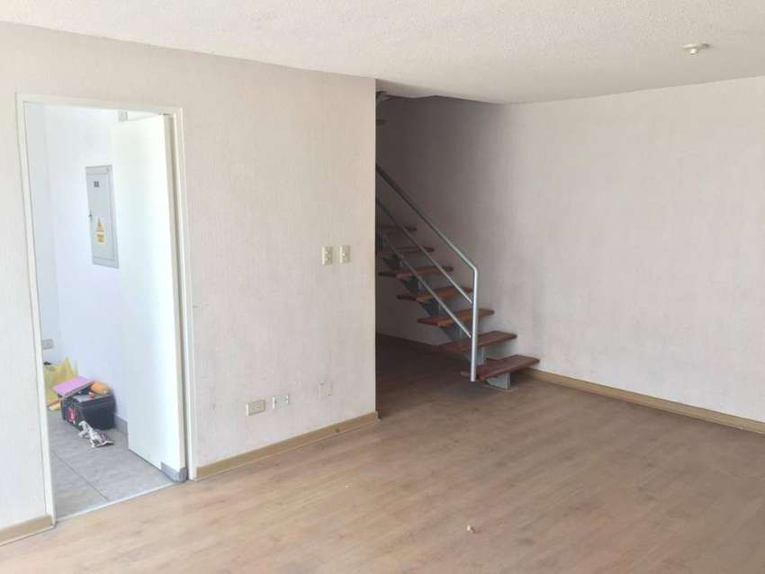 Vendo bonita casa dos pisos con título, cerca de avenida (califica FOVIPOL con inicial) 0