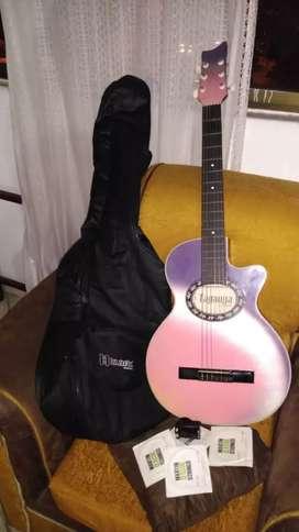 Guitarra hermosa y muy Económica