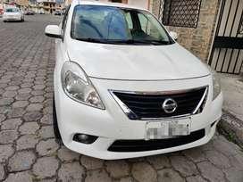 Nissan Versa año 2012 como nuevo