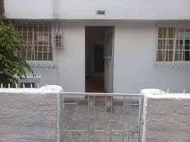 Vendo Casa Barrio Quiroga Central Exclelente Ubicacion Con Aire Para Construccion y Rentabilizar