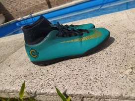Vendo botines Nike cr7