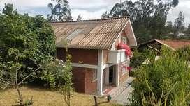 Propiedad en venta terreno amplio 850 mts con 2 casas ubicada a 4 min del hospital del seguro en monay cañaribamba