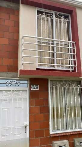 Se vende casa duplex esquinera