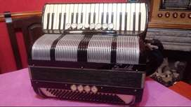 Acordeon a piano 120b. Scandalli