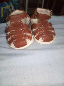 zapatilas de bebe nuevas