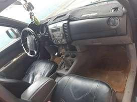 Se Vende Camioneta doble cabina 4x4 MAZDA BT50