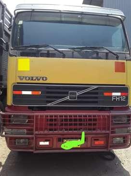 Se vende Tracto Volvo FH12