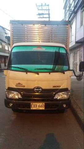 Se vende camion Hino (serie 300) modelo 2019