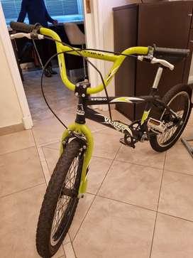 Vendo Bicicleta BMX  Venzo  ,Rod : 20