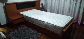 Se vende cama fiotti con colchón spring NEGOCIABLE
