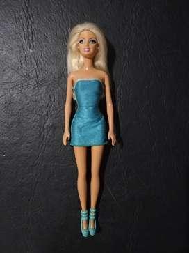 Barbie vestido celeste corto