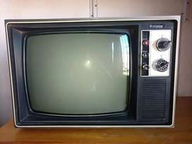 Televisor Hitachi 1976 caja de madera antiguo