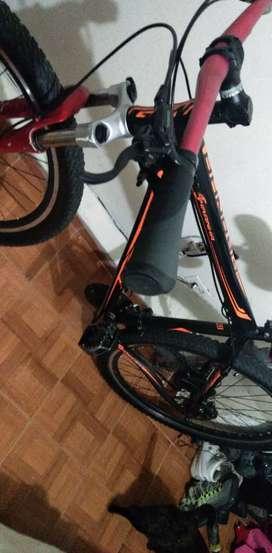 Vendo bicicleta GW Piranha 29R toda montada en 29
