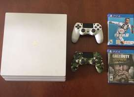Ps4 pro white limited edition + 2 juegos + 2 joysticks (45 hrs de uso)