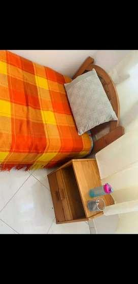 GANGA Cama sencilla + colchón + nochero