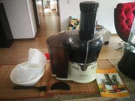 Extractor de jugos rena ware Nutrex juicer